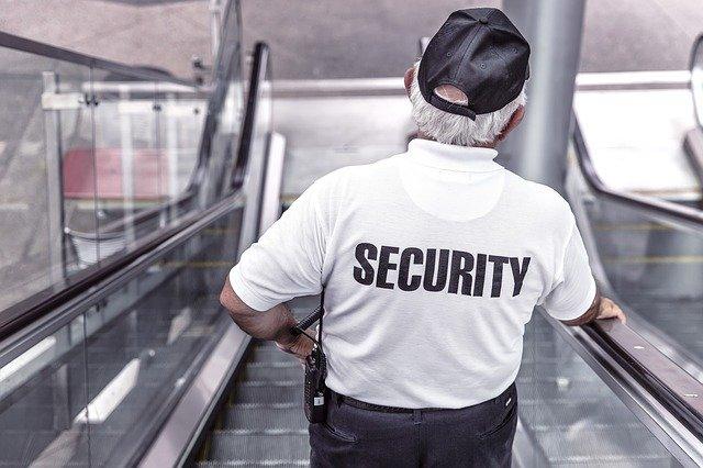Manténgase seguro siguiendo las señales de seguridad